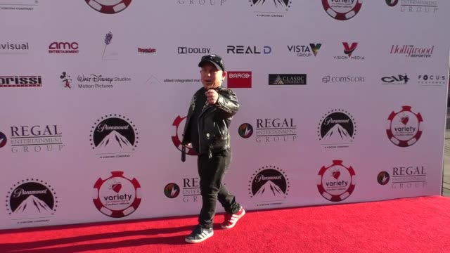 vídeos de stock, filmes e b-roll de martin klebba at the 7th annual variety the children's charity of southern california texas hold 'em poker tournament on july 26 2017 in los angeles... - texas hold 'em