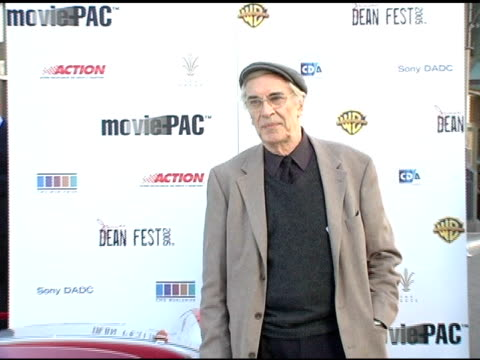 martin landau at the james dean 50th anniversary year global media event at the pacific theatres at the grove in los angeles california on february 8... - the grove los angeles stock videos & royalty-free footage