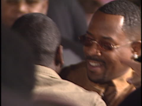 martin lawrence at the big mommas house 2 premiere at manns chinese theater hollywood in hollywood ca - teatro cinese tcl video stock e b–roll