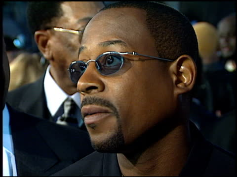 stockvideo's en b-roll-footage met martin lawrence at the 'life' premiere at the mann village theatre in westwood california on april 14 1999 - 1999