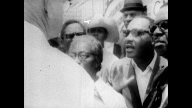martin luther king accuses a police officer in mississippi, pa of doing nothing when a white attacker ran past him after he attacked a protestor;... - black civil rights stock videos & royalty-free footage
