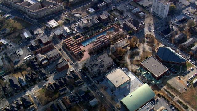 マーティン ・ ルーサー ・ キング jar 国立史跡と教会 - 空中写真 - ジョージア州フルトン郡、アメリカ合衆国 - 宗教的指導者 マルティン・ルター点の映像素材/bロール