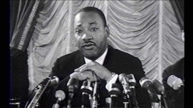 vídeos de stock, filmes e b-roll de martin luther king jr and other civil rights leaders led several marches and demonstrations in chicago during the summer of 1966 known as the chicago... - 1966
