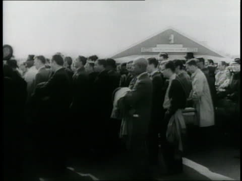 stockvideo's en b-roll-footage met martin luther king, jr. leads civil rights demonstrations on voter registration for african-americans. - 1965