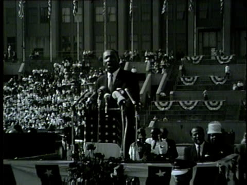 wgn martin luther king jr talks about segregation at the illinois i have a dream civil rights rally at soldier field on june 21 1964 - martin luther king video stock e b–roll