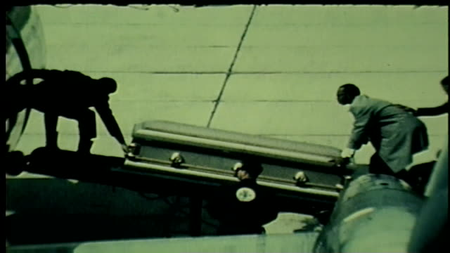 vídeos y material grabado en eventos de stock de martin luther king jr.'s casket loaded on to plane to atlanta in memphis on april 5, 1968. - 1968