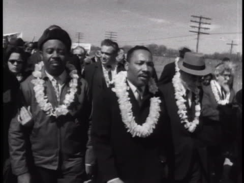 martin luther king marching from selma to montgomery in alabama - 1965 selma marches stock videos & royalty-free footage