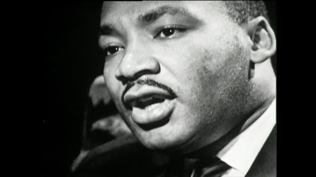 vídeos de stock e filmes b-roll de martin luther king on his belief in nuclear disarmament and testing and the danger it poses to the world 1961 i am a strong believer in disarmament... - arma de destruição em massa