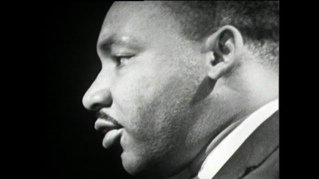 vidéos et rushes de martin luther king talks about the positive changes he has seen with regards to segregation, integration, court injustice and a reduction in police... - injustice