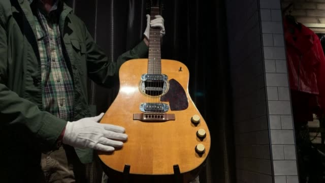 GBR: Kurt Cobain's 'Unplugged' guitar up for auction