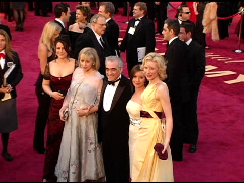 stockvideo's en b-roll-footage met martin scorsese and guests with cate blanchett at the 2005 annual academy awards arrivals at the kodak theatre in hollywood, california on february... - 77e jaarlijkse academy awards