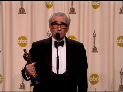 vidéos et rushes de martin scorsese, winner best director for �the departed� at the 2007 academy awards at the kodak theatre in hollywood, california on february 25,... - cérémonie des oscars