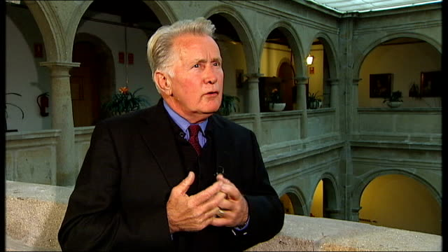 martin sheen and emilio estevez talk about their new film 'the way'; martin sheen interview sot - on hearing the pope say mass, deeply personal ...... - emilio estévez video stock e b–roll