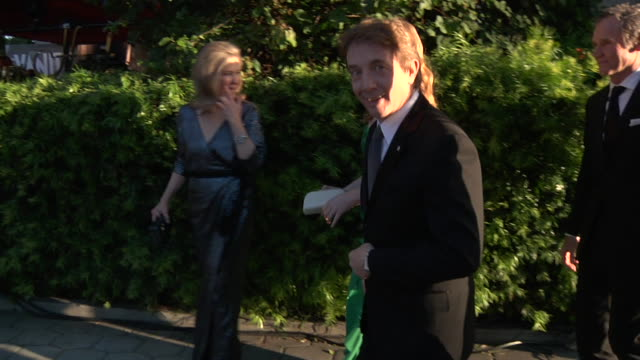 martin short at the 2011 vanity fair oscar party inside at hollywood ca. - martin short stock videos & royalty-free footage