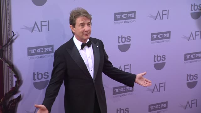 vídeos de stock, filmes e b-roll de martin short at the american film institute's 43rd life achievement award gala tribute to steve martin at dolby theatre on june 04 2015 in hollywood... - american film institute