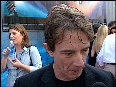 martin short at the 'treasure planet' premiere at the cinerama dome at arclight cinemas in hollywood california on november 17 2002 - arclight cinemas hollywood video stock e b–roll