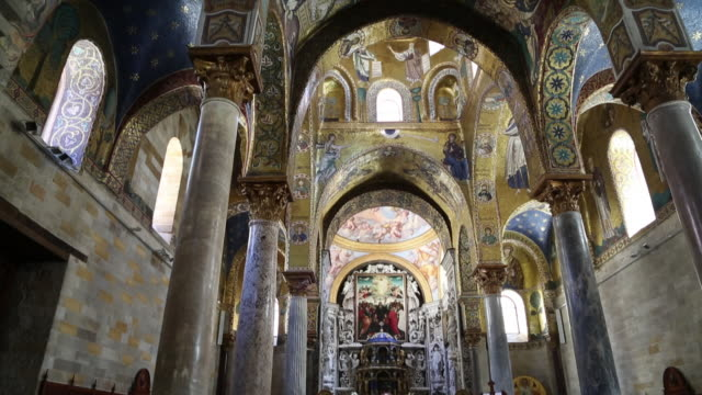 martorana (santa maria dell'ammiraglio) church, view of the nave and the ceiling with mosaics and paintings, palermo, sicily - sitzbank stock-videos und b-roll-filmmaterial