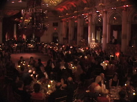 stockvideo's en b-roll-footage met marty richards famous charity red ball on valentines day february 14, 1999. many celebrities as guests and honorees. - benefietactie