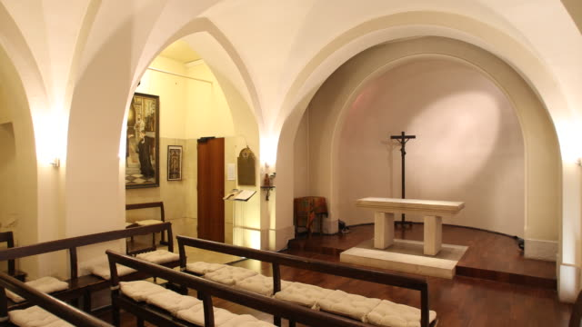 martyr chapel, paris - chapel stock videos & royalty-free footage
