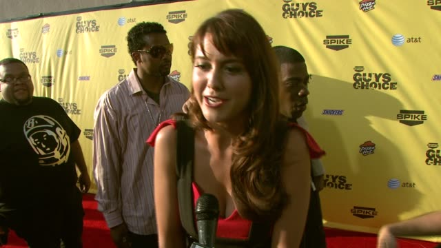 mary elizabeth winstead on the event and why she wanted to attend at the spike tv's guys' choice awards at radford studios in los angeles california... - spike guys choice awards video stock e b–roll