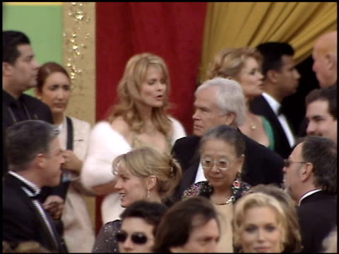stockvideo's en b-roll-footage met mary hart at the 2005 academy awards at the kodak theatre in hollywood, california on february 27, 2005. - 77e jaarlijkse academy awards