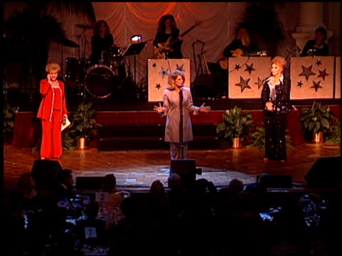 mary hart at the thalians 46th annual ball at century plaza in century city, california on october 13, 2001. - thalians ball stock-videos und b-roll-filmmaterial