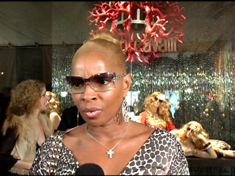 mary j blige at the unveiling of roberto cavalli's beverly hills location at roberto cavalli boutique in los angeles california on february 15 2005 - roberto cavalli stock videos and b-roll footage