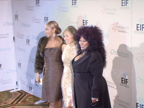 mary j blige katie couric and chaka khan at the katie couric entertainment industry foundation host hollywood meets motown benefit for national... - waldorf astoria new york stock videos & royalty-free footage