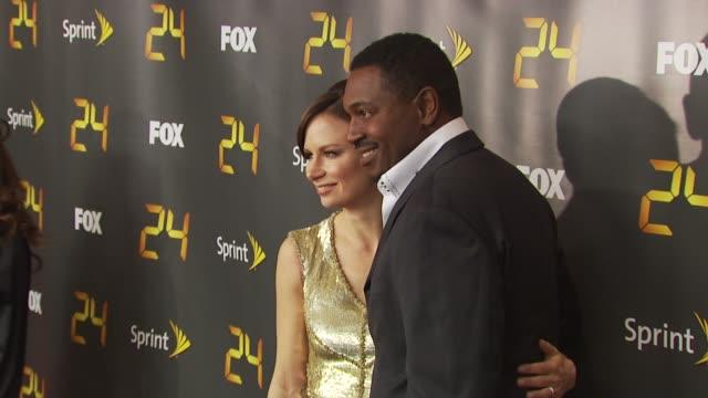 mary lynn rajskub and mykelti williamson at the season eight of '24' - new york premiere screening at new york ny. - ミケルティ ウィリアムソン点の映像素材/bロール