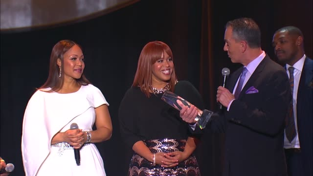 SPEECH Mary Mary are presented with the Trailblazer award by Mike O'Neill of BMI Mary Mary perform Shackles at 2016 BMI Trailblazers Of Gospel Music...