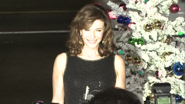 mary steenburgen at the 'four christmases' premiere at los angeles ca - mary steenburgen stock videos & royalty-free footage