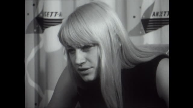 Mary Travers asked about having a cause to champion 'yes and no' talks about civil rights / do you as a group try to create a particular image Peter...