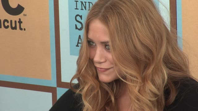 marykate olsen at the the 21st annual ifp independent spirit awards in santa monica california on march 4 2006 - ifp independent spirit awards stock videos and b-roll footage