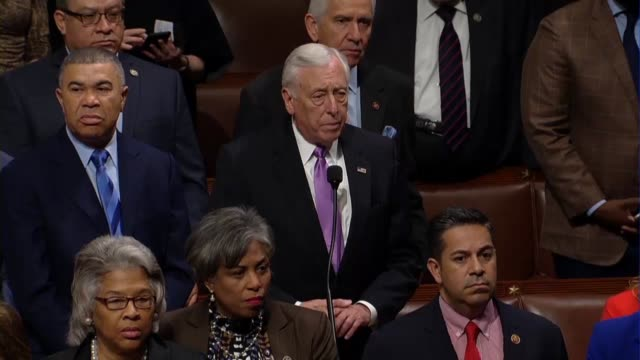 vídeos de stock, filmes e b-roll de maryland congressman steny hoyer asks the chair if chaplain father pat conroy was elected by the whole house steve womack then presiding answering he... - política e governo