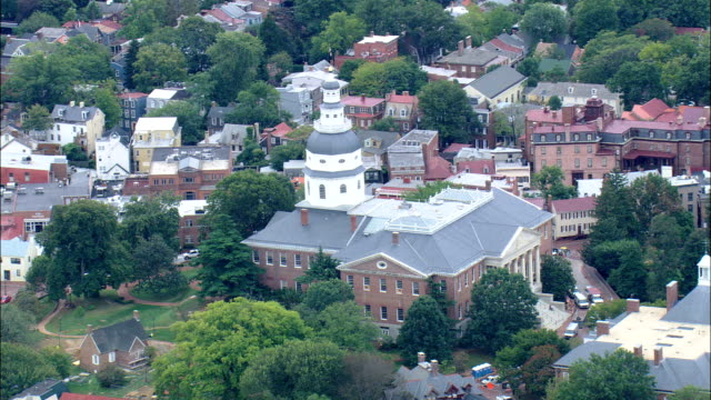 maryland state house  - aerial view - maryland, anne arundel county, united states - maryland us state stock videos & royalty-free footage