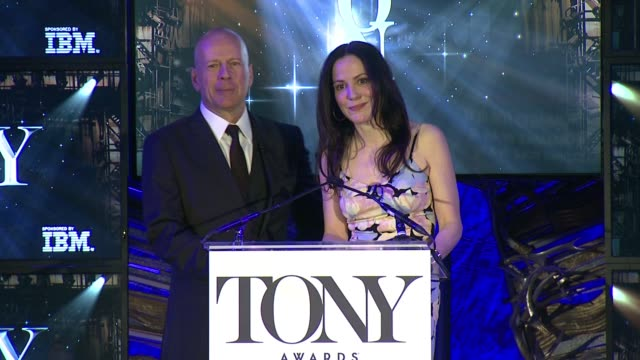 speech marylouise parker and bruce willis welcome everyone to this event announce best actor in a leading role in a play and best actress in a... - bruce willis stock videos and b-roll footage