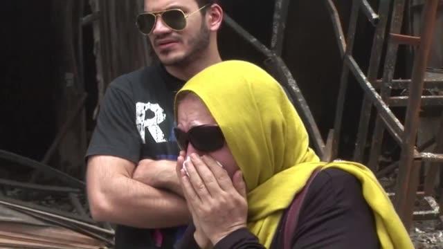 vídeos de stock, filmes e b-roll de a mas de 200 aumento el numero de muertos tras el atentado registrado el domingo en la capital iraqui que reivindicado por el grupo estado islamico... - irak