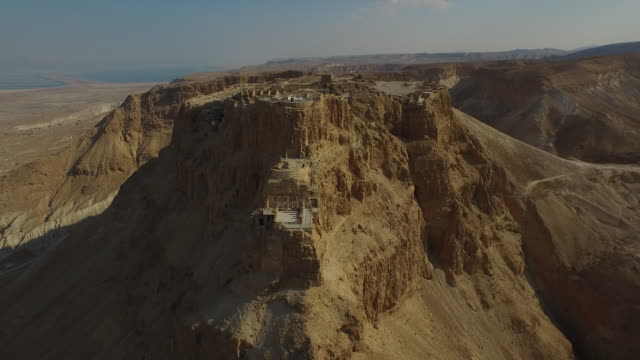 vídeos de stock, filmes e b-roll de masada, aerial view of the unesco world heritage site, israel - patrimônio mundial da unesco