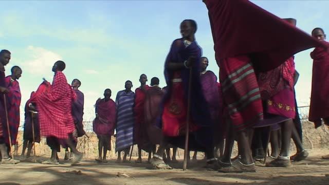 WS LA Masai tribe dancing / Serengeti, Tanzania