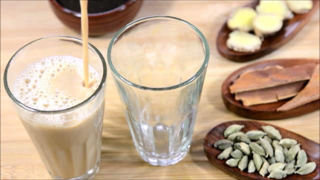 masala tea - maharashtra stock-videos und b-roll-filmmaterial
