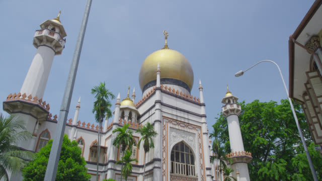 masjid sultan mosque in muscat street - sultan mosque singapore stock videos and b-roll footage