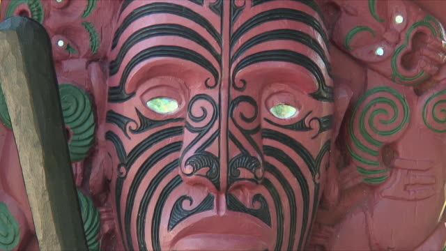 cu mask from totem pole, waitangi, new zealand - new zealand culture stock videos and b-roll footage