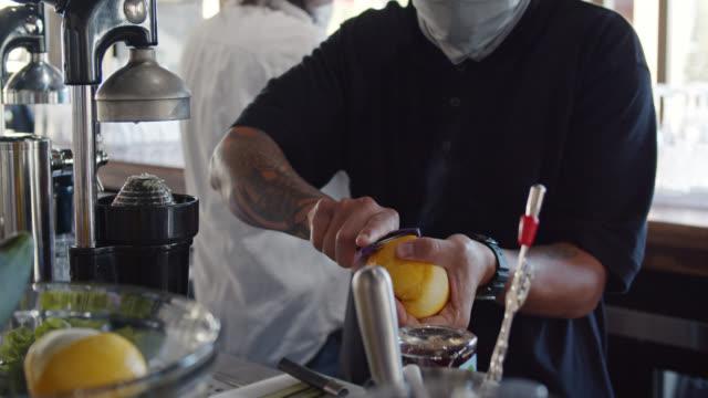 Barman masqué Peeling Orange
