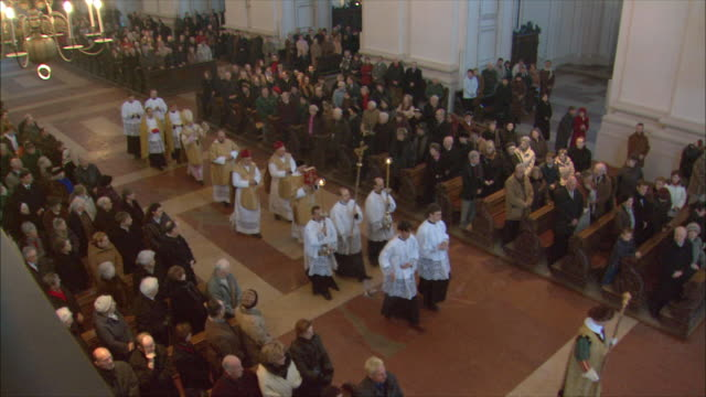 ws ha mass at salzburg cathedral / salzburg, austria - priest stock videos and b-roll footage
