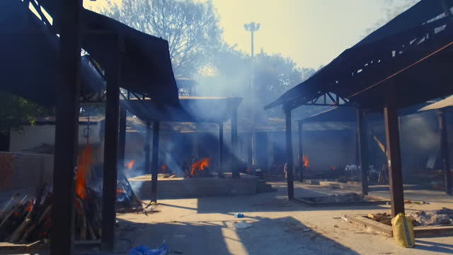 mass cremations for victims of coronavirus taking place in delhi - crisis stock videos & royalty-free footage