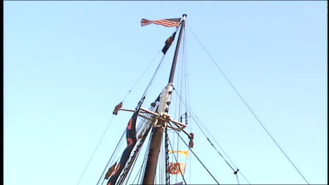 vídeos y material grabado en eventos de stock de mass of ship with nautical flags - pasear en coche sin destino