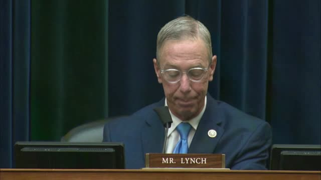 vidéos et rushes de massachusetts congressman stephen lynch says at a house oversight and reform committee hearing with postmaster general louis dejoy that as a member... - post it