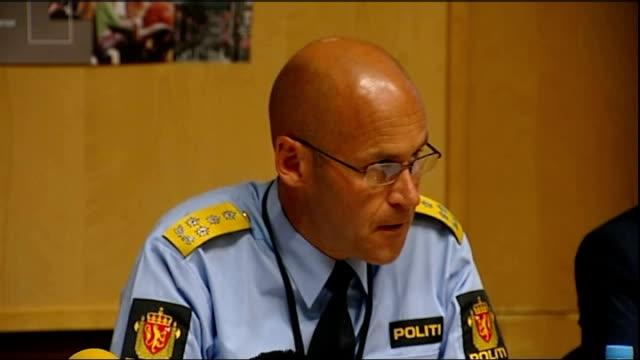stockvideo's en b-roll-footage met massacre gunman anders breivik appears in court oystein maeland speaking at press conference sot police and rescue personnel had demanding task on... - anders behring breivik