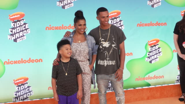 massai zhivago dorsey ii kez sunday udoka and nia long at the nickelodeon's 2019 kids' choice awards at galen center on march 23 2019 in los angeles... - nia long stock videos and b-roll footage