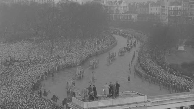 massive crowds gather for the funeral procession of king george v in london. - british royalty stock videos & royalty-free footage